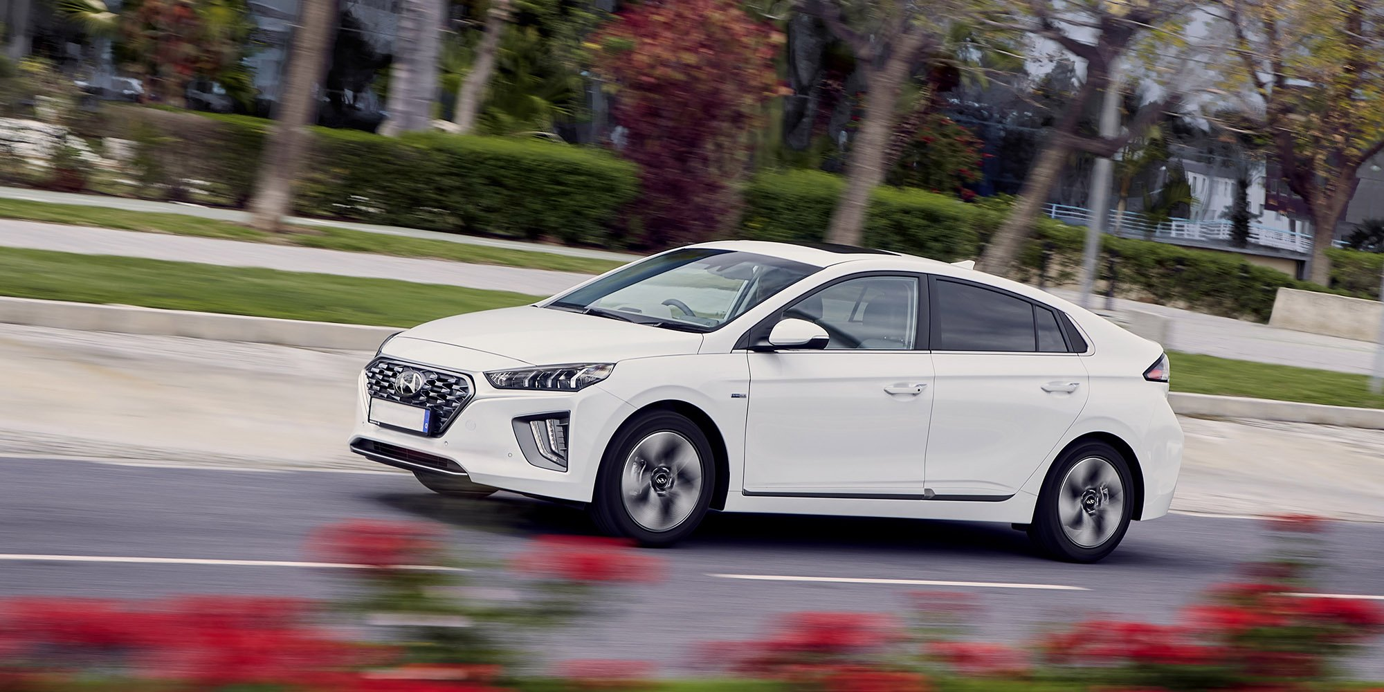 turbocharge-hyundai-ioniq-hybrid-review.jpg