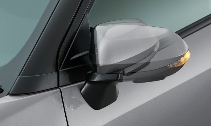 Toyota-yaris-cross-hybrid-auto-retractable-side-mirrors.jpg